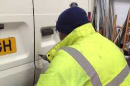 locksmith installing van lock